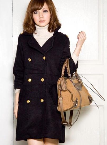 时髦单品:气质英伦灯笼袖大衣